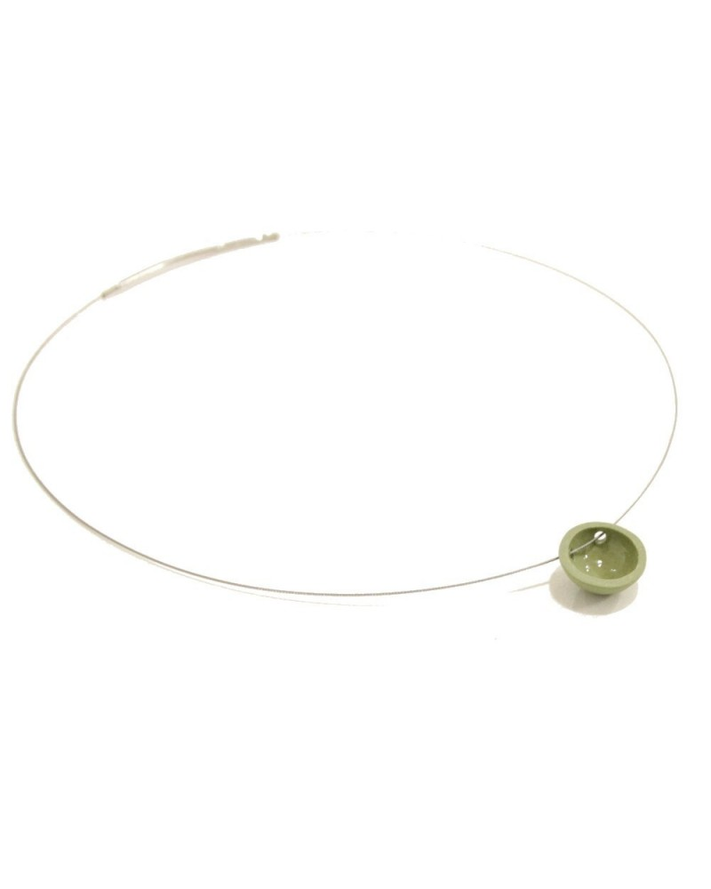 Girocollo artigianale con ciondolo in porcellana verde lucido