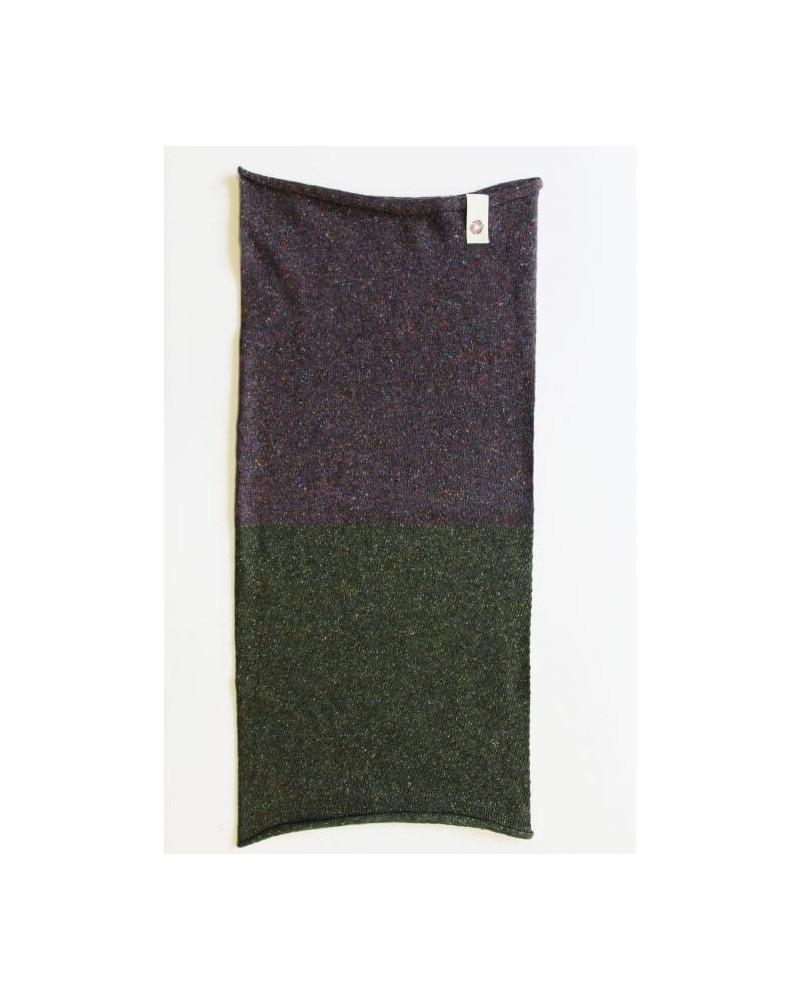 Ganzo lo scaldacollo in lana e seta rigenerata, verde/melanzana.