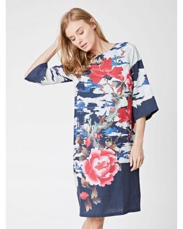 Vestito design thought con manica 3/4.