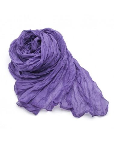 Sciarpa in seta viola tinta con colori naturali, produzione artigianale.