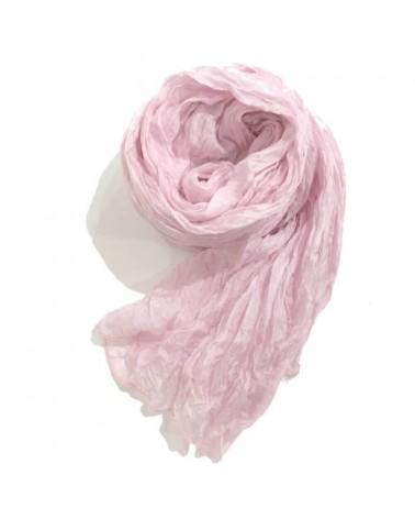 Sciarpa rosa in seta tinta con colori naturali, produzione artigianale.