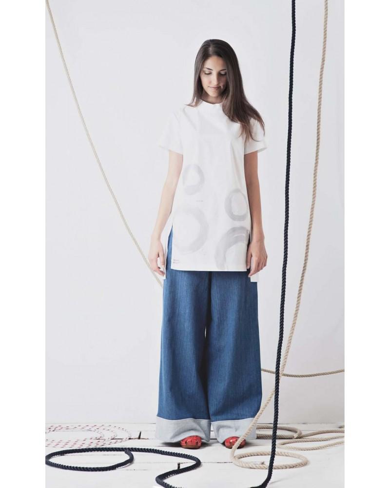 Camicia lunga con spacchi laterali in cotone, dipinta a mano, cerchi, TG S. Articolo di sartoria, pezzo unico.