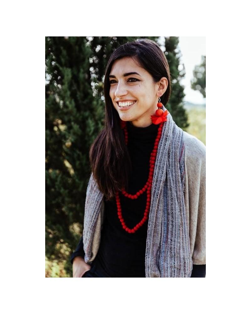 Collana viola lunga in seta e legno, colori ecologici.