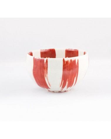 Ciotola bianca e rossa in porcellana giapponese.