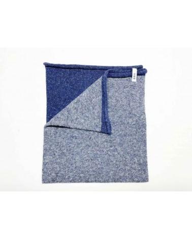 Scaldacollo in lana e seta rigenerata, blu/bianco.