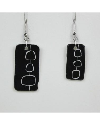 Orecchini pendenti artigianali in ceramica, rettangolari. Nero.