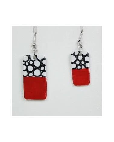 Orecchini pendenti artigianali in ceramica, rettangolari. Rosso con bolle.