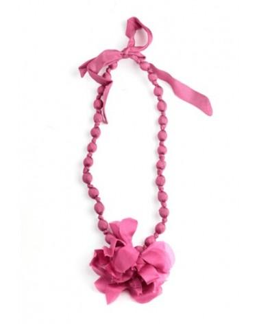 Collana rosa in seta e legno con fiocco, tinture ecologiche.