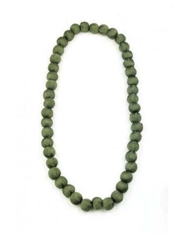 Collana verde in seta e legno, tinture ecologiche.